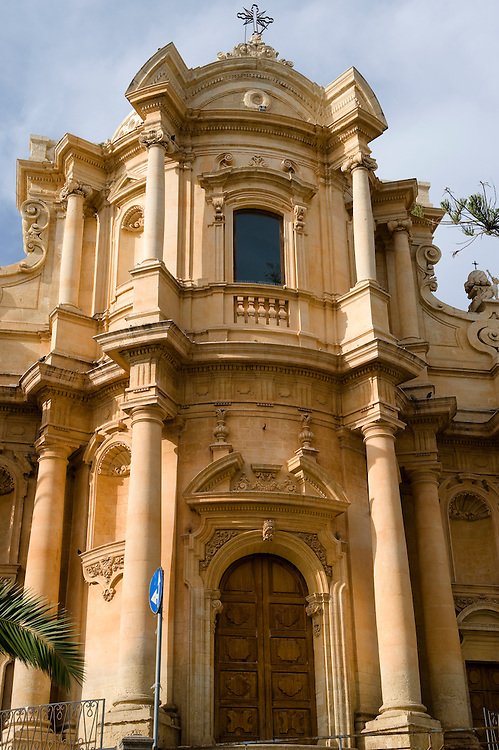 Baroque Church of St Dominico - Noto, Sicily .<br /> <br /> Visit our SICILY HISTORIC PLACES PHOTO COLLECTIONS for more   photos  to download or buy as prints https://funkystock.photoshelter.com/gallery-collection/2b-Pictures-Images-of-Sicily-Photos-of-Sicilian-Historic-Landmark-Sites/C0000qAkj8TXCzro<br /> .<br /> <br /> Visit our EARLY MODERN ERA HISTORICAL PLACES PHOTO COLLECTIONS for more photos to buy as wall art prints https://funkystock.photoshelter.com/gallery-collection/Modern-Era-Historic-Places-Art-Artefact-Antiquities-Picture-Images-of/C00002pOjgcLacqI