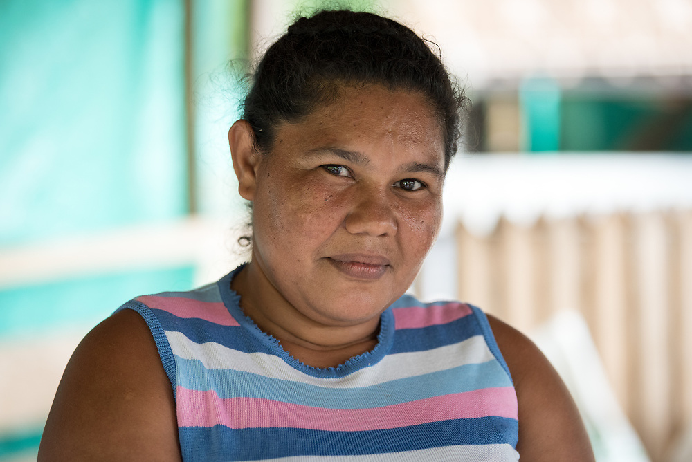 """16 November 2018, San José de León, Mutatá, Antioquia, Colombia: """"As a mother, I dream of my children continuing to study, to become maybe a secretary, or a teacher. That is my dream,"""" says 41-year-old mother of five Vianeth. Following the 2016 peace treaty between FARC and the Colombian government, a group of ex-combatant families have purchased and now cultivate 36 hectares of land in the territory of San José de León, municipality of Mutatá in Antioquia, Colombia. A group of 27 families first purchased the lot of land in San José de León, moving in from nearby Córdoba to settle alongside the 50-or-so families of farmers already living in the area. Today, 50 ex-combatant families live in the emerging community, which hosts a small restaurant, various committees for community organization and development, and which cultivates the land through agriculture, poultry and fish farming. Though the community has come a long way, many challenges remain on the way towards peace and reconciliation. The two-year-old community, which does not yet have a name of its own, is located in the territory of San José de León in Urabá, northwest Colombia, a strategically important corridor for trade into Central America, with resulting drug trafficking and arms trade still keeping armed groups active in the area. Many ex-combatants face trauma and insecurity, and a lack of fulfilment by the Colombian government in transition of land ownership to FARC members makes the situation delicate. Through the project De la Guerra a la Paz ('From War to Peace'), the Evangelical Lutheran Church of Colombia accompanies three communities in the Antioquia region, offering support both to ex-combatants and to the communities they now live alongside, as they reintegrate into society. Supporting a total of more than 300 families, the project seeks to alleviate the risk of re-victimization, or relapse into violent conflict."""