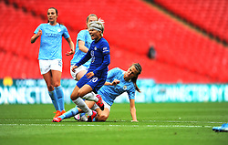 Jill Scott of Manchester City Women tackles Ji So-Yun of Chelsea Women - Mandatory by-line: Nizaam Jones/JMP - 29/08/2020 - FOOTBALL - Wembley Stadium - London, England - Chelsea v Manchester City - FA Women's Community Shield