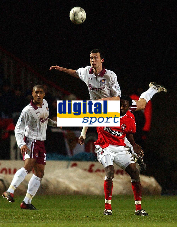 Foto, 22. januar 2003,  Charlton v West Ham, FA Barclaycard Premiership, The Valley, Gary Breen og Charltons Jason Euell<br />Foto: Javier Garcia, Digitalsport