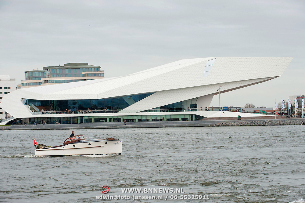 Op 5 april 2012 is het nieuwe filmmuseum EYE aan de IJpromenade 1 te 1031 KT Amsterdam,  de noordoever van het IJ geopend, tegenover het Centraal Station, in de nieuwe Amsterdamse stadswijk Overhoeks. Aan het gebouw, ontworpen door het Oostenrijkse architectenbureau Delugan Meissl, is sinds 2009 gebouwd. EYE neemt deel aan het samenwerkingsverband Cineville. Het Filmmuseum is het museum voor cinematografie in Nederland. Doelstelling van het Filmmuseum is het behoud van het filmerfgoed voor toekomstige generaties, zowel Nederlandse films als buitenlandse films die in Nederland vertoond zijn. De collectie zelf en de kennis die men op het gebied van restauratie heeft, staan internationaal hoog aangeschreven. Daarnaast wil het instituut een levendige filmcultuur in Nederland bevorderen. Foto JOVIP/JOHN VAN IPEREN