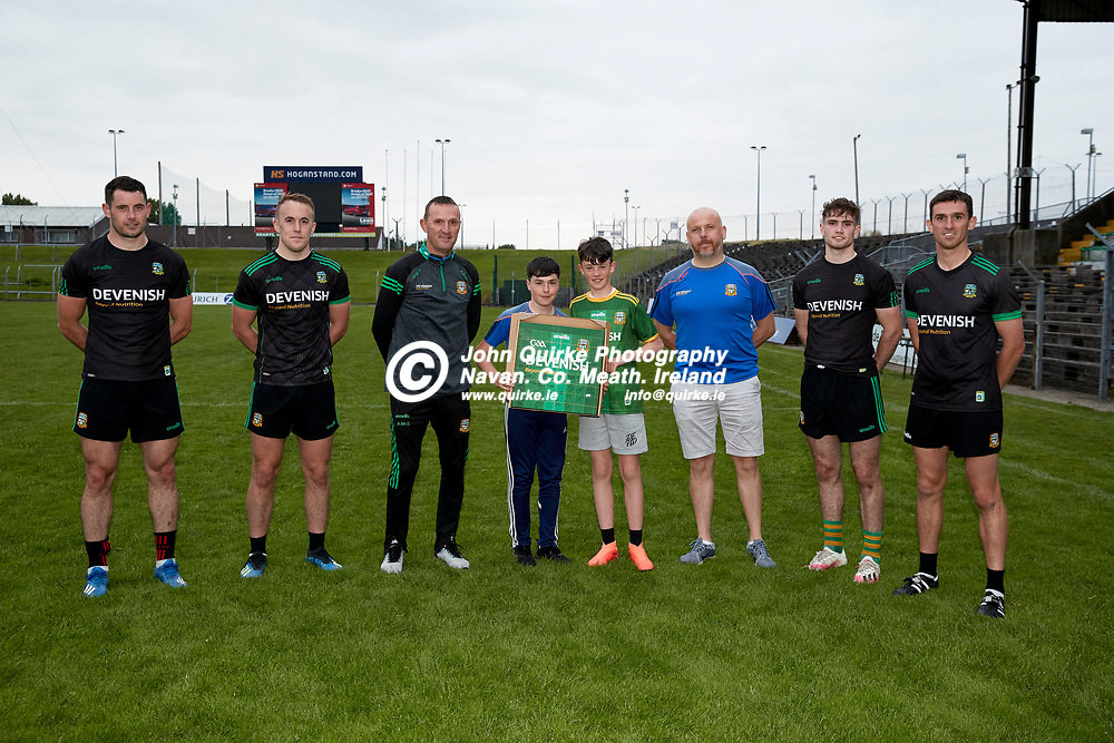 08-07-21, Club Na Mhi Jersey Square Presentations at Pairc Tailteann.<br /> Pictured, L-R, Donal Keogan, Ronan Ryan, Andy McEntee, Max Condon, Rian Alder, Gary Alder, Cathal Hickey, Shane McEntee<br /> Photo: David Mullen / www.quirke.ie ©John Quirke Photography, Proudstown Road Navan. Co. Meath. 046-9079044 / 087-2579454.<br /> ISO: 2000; Shutter: 1/250; Aperture: 5;
