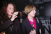 Jessica Halim, .Lisa KIppenberger-Herfeldt and Anne Katrin Ahrens,  Tate Modern. 7 Febriuary 2006. -DO NOT ARCHIVE-© Copyright Photograph by Dafydd Jones 66 Stockwell Park Rd. London SW9 0DA Tel 020 7733 0108 www.dafjones.com