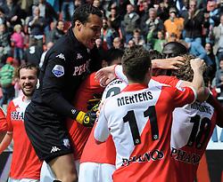 16-05-2010 VOETBAL: FC UTRECHT - RODA JC: UTRECHT<br /> FC Utrecht verslaat Roda in de finale van de Play-offs met 4-1 en gaat Europa in / Michel Vorm, Michael Silberbauer, Tim Cornelisse, Jacob Mulenga, Dries Mertens<br /> ©2010-WWW.FOTOHOOGENDOORN.NL