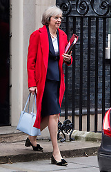 © Licensed to London News Pictures. 23/11/2016. London, UK. British Prime minister THERESA MAY leaves 10 Downing Street in London following a cabinet meeting before Chancellor Philip Hammond delivers his first Autumn statement to parliament. Photo credit: Ben Cawthra/LNP