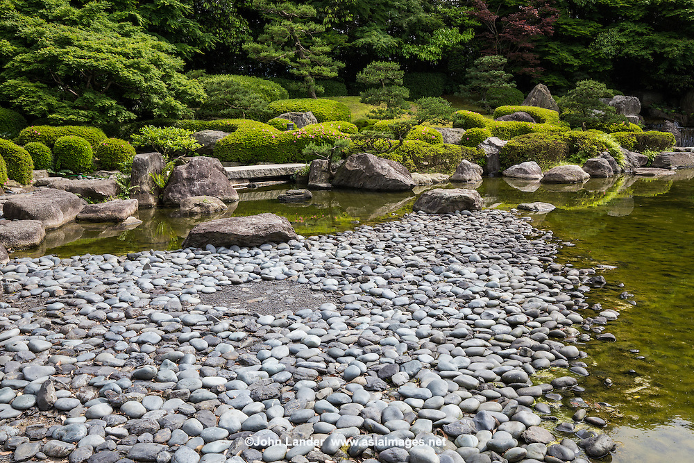 Fukuoka's Ohori Japanese strolling garden was built in 1979 to mark the park's 50th anniversary. The garden is made up of hills, trees groves and ponds. It was constructed with traditional gardening techniques although it is relatively new. A winding stream, a dry Zen garden, and a teahouse along with its adjacent garden are laid out around the highlights of the venue.  Ohori Garden is one of the finest examples of modern Japanese gardening to date.