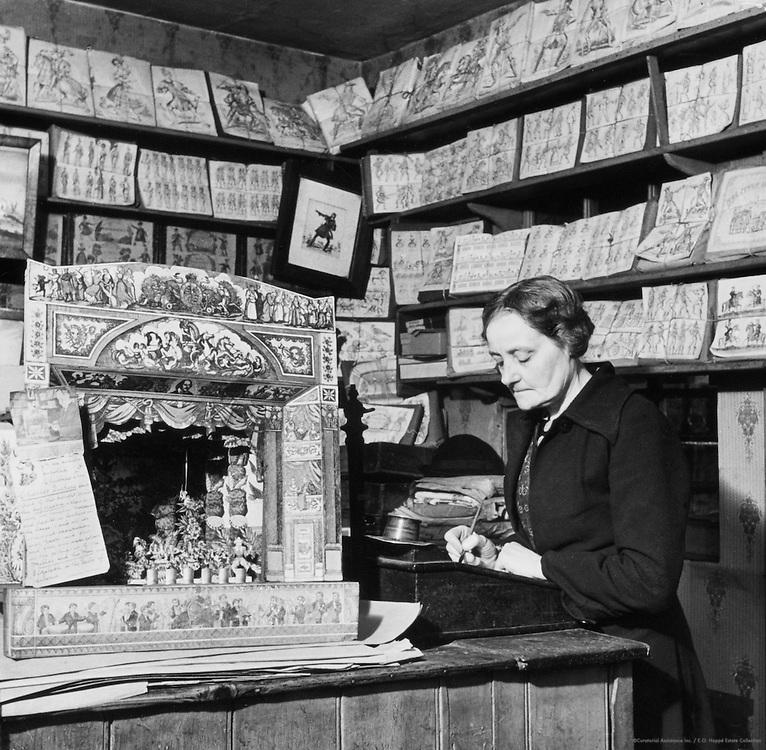 """""""London's Most Enchanting Shop,"""" Dulwich, London, c.1935"""