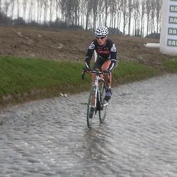 Sportfoto archief 2006-2010<br /> 2010<br /> Kirsten Wild op de natte kasseien van de Holleweg tijden de ronde van Vlaanderen
