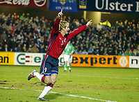 Fotball<br /> Treningskamp<br /> 18.02.2004<br /> Nord Irland v Norge<br /> Foto: Anders Hoven, Digitalsport<br /> <br /> Morten Gamst Pedersen jubler etter å ha gjort 1-0 for Norge