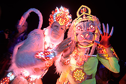 June 21, 2017 - Amesbury, Wiltshire, United Kingdom - Stonehenge - Members of the Madhura Theatre from Hare Krishna at the Summer Solstice celebrations at Stonehenge on the longest day of the year. (Credit Image: © Simon Chapman/London News Pictures via ZUMA Wire)