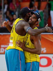 20150705 NED: WK Beachvolleybal day 10, Den Haag<br /> Pedro Solberg #1 BRA, Evandro Goncalves Oliveira Junior #2 BRA pakken de bonzen medaille op het WK
