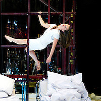"""Nederland, Den Haag, 28-04-2011.<br /> Elise Schaap in het decor van het stuk """" Hartfalen"""" van theatergroep Orkater.<br /> Foto : Klaas Jan van der Weij"""