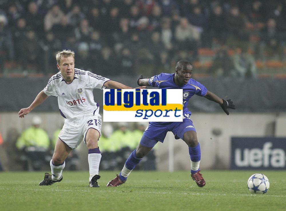Photo: Barry Bland.<br />RSC Anderlecht v Chelsea. UEFA Champions League.<br />23/11/2005.<br />Chelsea's Lassana Diarra and Vincent Kompany.