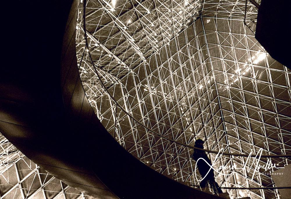 PARIS 1992.© Laura Mueller