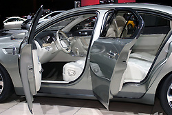 09 February 2006:  Lincoln MKS Concept Vehicle.....Chicago Automobile Trade Association, Chicago Auto Show, McCormick Place, Chicago IL