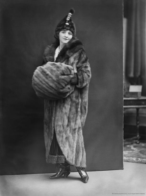 Doris Keane, actress, in fur coat, 1917