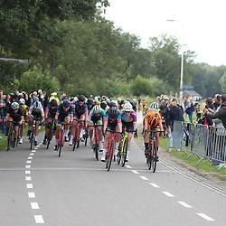 05-09-2020: Wielrennen: Guus Caarels Memorial: Goor<br /> Marit Cent uit Goor heeft de Ronde van Goor voor vrouwen op haar naam gebracht. Ze wist in de sprint van een omvangrijke groep Kirstie van Haaften (tweede) en Marjolein van 't Geloof (derde) achter zich te laten.