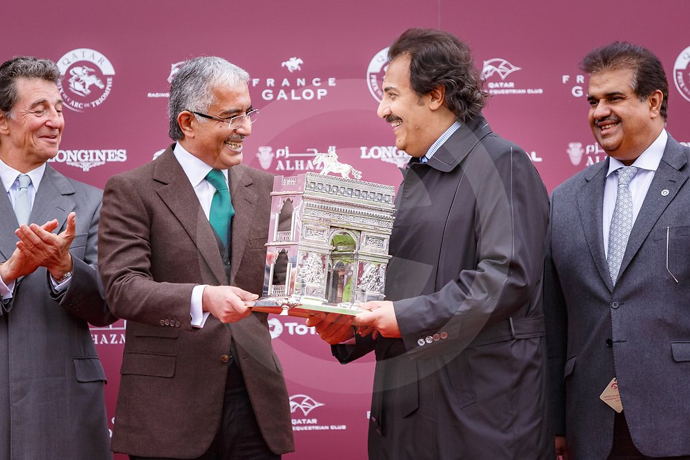 Enable (L. Dettori) wins Qatar Prie de l'Arc de Triomphe Gr. 1 in Chantilly 01/10/2017, photo: Zuzanna Lupa