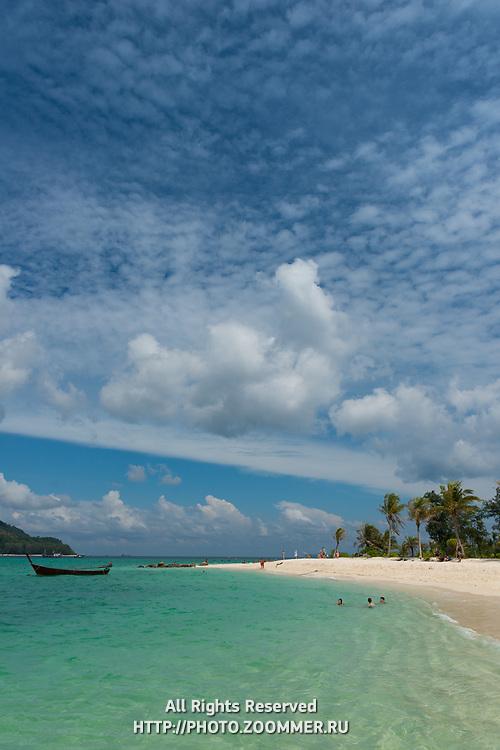 Beautiful sky and water on Ko Lipe beach, Thailand