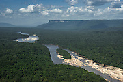 Mazaruni River<br /> Pakaraima Mountains<br /> GUYANA<br /> South America<br /> Longest river in Guyana