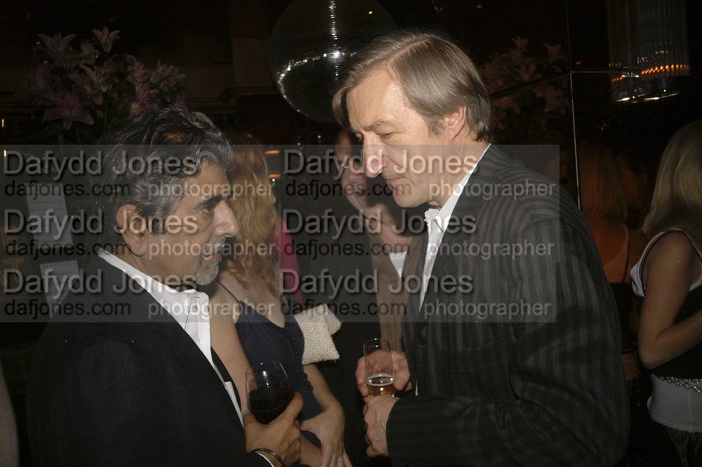 Sonny Mehta and Julian Barnes, publication party for Bill Buford and his memoir HEAT. Hosted by Marco Pierre White at 'Frankie's. Knightsbridge. 10 July 2006. ONE TIME USE ONLY - DO NOT ARCHIVE  © Copyright Photograph by Dafydd Jones 66 Stockwell Park Rd. London SW9 0DA Tel 020 7733 0108 www.dafjones.com
