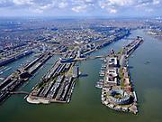 Nederland, Noord-Holland, Amsterdam; 16-04-2021; overzicht voormalig Oostelijk Havengebied<br /> Entrepothaven, Borneo-eiland, Spoorwegbassin, Sporenburg, Ertshaven, KNSM- en Java-eiland. Verbindingsdam.<br /> Overview former Eastern Docklands, Zeeburg. <br /> luchtfoto (toeslag op standard tarieven);<br /> aerial photo (additional fee required)<br /> copyright © 2021 foto/photo Siebe Swart