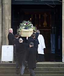 © London News Pictures. 13/02/2014. London, UK. The coffin entering the church..  The funeral of actor Roger Lloyd-Pack at St Pauls Church also known as 'The Actor's Church'  in Covent Garden, London. Roger Lloyd-Pack was famous for playing roles such as Trigger in Only Fools and Horses and Owen Newitt in the The Vicar of Dibley. Photo credit : Ben Cawthra/LNP