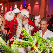 NLD/Hilversum/20151207- Sky Radio's Christmas Tree for Charity, Vivian Reijs met Danny de Munk en de kerstman