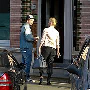 NLD/Amsterdam/20110324 - Johnny de Mol brengt zoontje van Bridget Maasland thuis