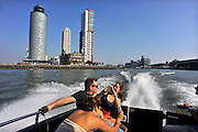 Nederland, Rotterdam, 2-10-2011Zicht vanuit een watertaxi op de Kop van Zuid met Hotel New York en Montevideo. Nieuwe architectuur in Rotterdam.Stadsgezicht, wolkenkrabber.Foto: Flip Franssen/Hollandse Hoogte