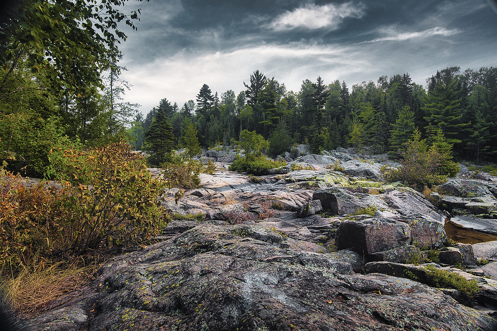 Cascades Conservation Area (Thunder Bay, ON) is a great choice for a quiet hike in the beautiful poplar and birch forest. Two highlights for many people is the spectacular rapids along the Current River and the various geological formations in the area.