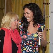 NLD/Amsterdam/20160321 - The Strong Woman Award 2016, Willeke Alberti en Hind Larussi