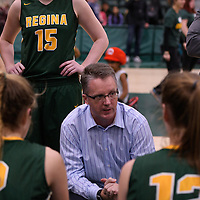 Head Coach Dave Taylor of the Regina Cougars in action during the home game on December  3 at Centre for Kinesiology, Health and Sport. Credit: Matt Johnson/Arthur Images