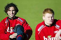 Fotball, 17. januar 2004, Trening før kampen Nord Irland-Norge, Hassan El Fakiri og John Arne Riise, Norge