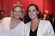 Sport Allgemein: Hamburger Sportgala 2017, Hamburg, 13.12.2017<br /> Mannschaft des Jahres: Laura Ludwig (l.) und Kira Walkenhorst (Beachvolelyball)<br /> © Torsten Helmke