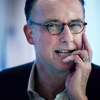 Nederland, Amsterdam , 2 november 2012.<br /> Rondetafelgesprek mediajournalisten in Lloyd Hotel.<br /> v.l.n.r. Jean Pierre Geelen (48)3,5 jaar recensent Volkskrant<br /> Hans Beerekamp (60) sinds 2003 NRC<br /> Mark Moorman (52) Al twintig jaar in Lips-carousel<br /> Willem Pekelder (53) Bijna 3 jaar Trouw (zie foto)<br /> <br /> Foto:Jean-Pierre Jans