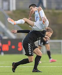 Elijah Just (FC Helsingør) og Mike Vestergård (Kolding IF) under kampen i 1. Division mellem FC Helsingør og Kolding IF den 24. oktober 2020 på Helsingør Stadion (Foto: Claus Birch).
