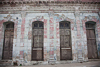 Architecture in Santa Clara Cuba is a magnificent collection of both restored and unrestored colonial splendour.