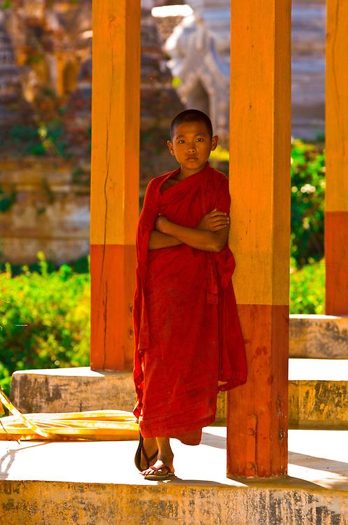 Novice monk at the Thakong Pagoda, Inle Lake, Inle Lake, Shan State, Myanmar (Burma)