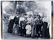 family group portrait 1920s France