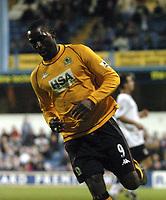 Photo. Glyn Thomas.<br /> Fulham v Blackburn. FA Barclaycard Premiership. <br /> Loftus Road, Luton. 12/04/2004.<br /> Blackburn's Andy Cole wheels away after putting his side a goal in front.