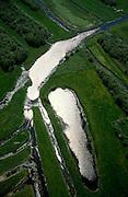 Nederland, Noord-Holland, Nieuw-Loosdrecht, 'De Ster', 17-05-2002; het lokale riviertje 'de Drecht' eindigt in 'de Ster' (naar de vorm) in het veenweide gebied ten Oosten van de Loosdrechtsche Plassen; local stream ends in form of a star; the star shape is the result of diging up the peat in the past; natuur, inrichting landschap, veen, turf, vervening, rivierdelta, meander, mileu, landschapsabstractie;<br /> luchtfoto (toeslag), aerial photo (additional fee)<br /> foto /photo Siebe Swart