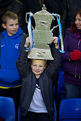 04.01.2014, Goodison Park, Liverpool, ENG, FA Cup, FC Everton vs Queens Park Rangers, 3. Runde, im Bild A young Everton supporter with, home-made FA Cup // during the English FA Cup 3rd round match between Everton FC and Queens Park Rangers at the Goodison Park in Liverpool, Great Britain on 2014/01/04. EXPA Pictures © 2014, PhotoCredit: EXPA/ Propagandaphoto/ David Rawcliffe<br /> <br /> *****ATTENTION - OUT of ENG, GBR*****