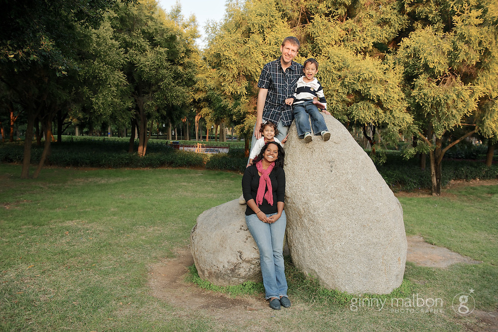 Afternoon family photo shoot taken at Haiwan Park in Xiamen by Ginny Malbon Photography