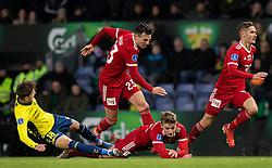 Jesper Lindstrøm (Brøndby IF) i kamp med Pascal Gregor, Magnus Westergaard og Lasse Fosgaard (Lyngby BK) , under kampen i 3F Superligaen mellem Brøndby IF og Lyngby Boldklub den 1. marts 2020 på Brøndby Stadion (Foto: Claus Birch).