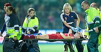 BOOM -  Ernstige blessure voor de Engelse Sally Watson   tijdens de halve finale van het EK hockey tussen de vrouwen van Nederland en Engeland. ANP KOEN SUYK