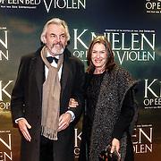 NLD/Amsterdam/20160222 - Premiere Knielen op een Bed Violen, Derek de Lint en partner Dorith Jesserun