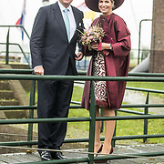 NLD/Amersfoort/20171024 - Streekbezoek Koning Alexander en koningin Maxima aan Eemland, Willem Alexander en Maxima