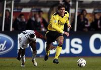 Fotball<br /> Champions League 2004/05<br /> Monaco v Liverpool<br /> 23. november 2004<br /> Foto: Digitalsport<br /> NORWAY ONLY<br /> HARRY KEWELL (LIV) / PATRICE EVRA (MON)