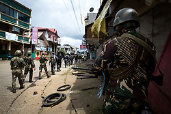 June 6, 2017 - Marawi, Philippines - Government troops walk inside of a NO GO ZONE to search for explosives and firearms left be Islamic rebels in Marawi City in Southern Philippines, June 6, 2017. (Credit Image: © Richard Atrero De Guzman/NurPhoto via ZUMA Press)